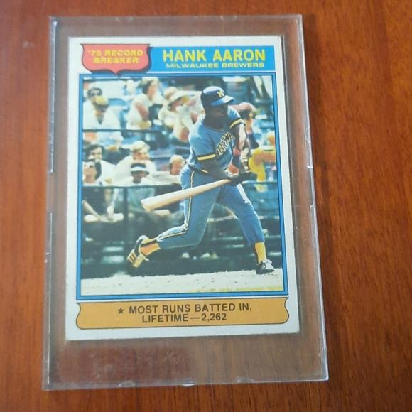 1976 Topps Hank Aaron #1 Baseball Card